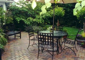 how to lay a stone paver patio